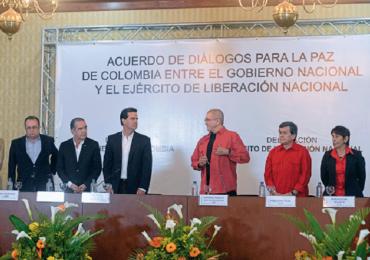 """""""Hay que insistir en que Gobierno y ELN se sienten a negociar"""": Victor de Currea"""