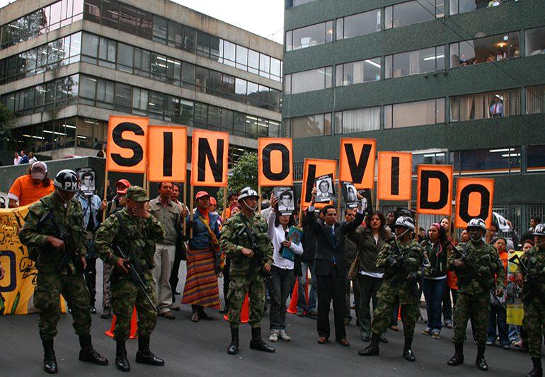 279 agresiones y 35 asesinatos contra defensores de DDHH en Colombia durante 2016