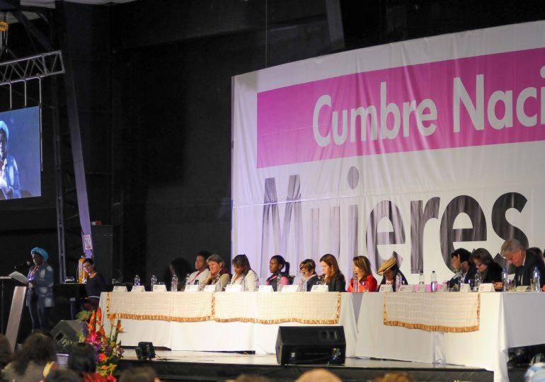 Las mujeres se preparan para la implementación de los acuerdos