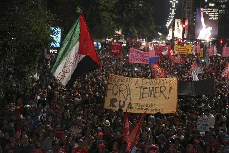 "Brasil: ""Rousseff disminuyó desigualdad, Temer traerá de vuelta medidas neoliberales"""