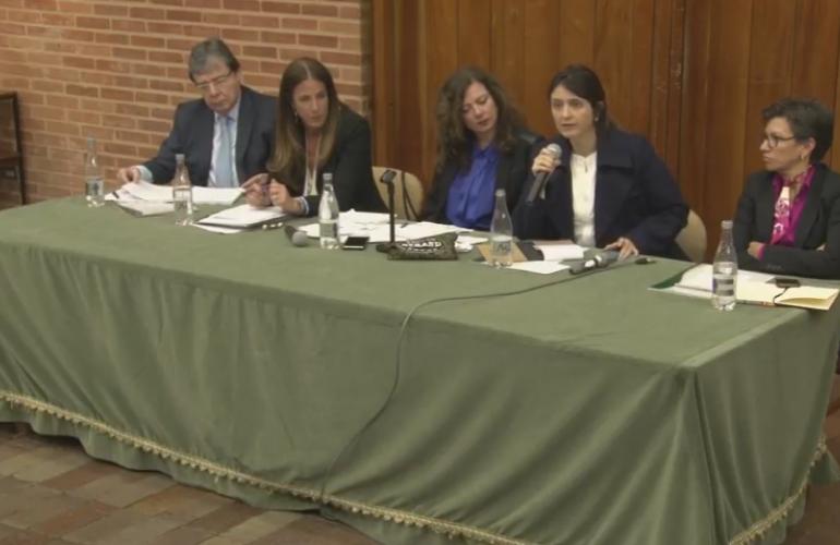 """""""Con los paramilitares hubo un intento de justicia"""": Paloma Valencia"""