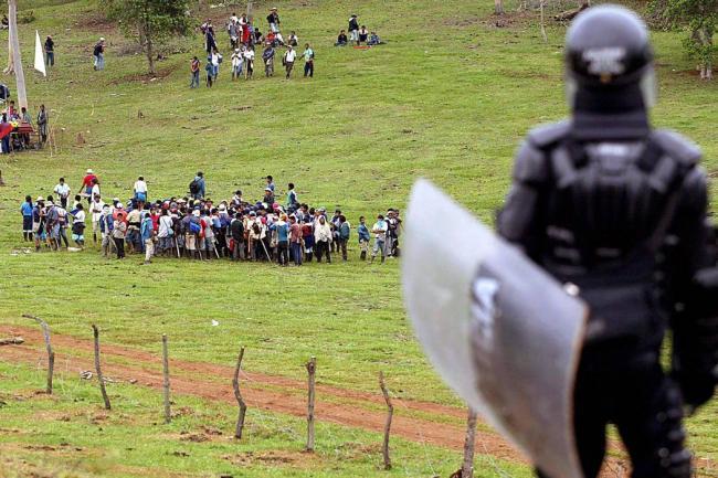 Emergencia en Meta por ataques a la población civil desde helicópteros de la fuerza pública