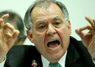 Piden revocar condecoración a Alejandro Ordoñez en Santander