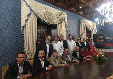 Ya están conformados equipos de ELN y Gobierno para diálogos en Quito