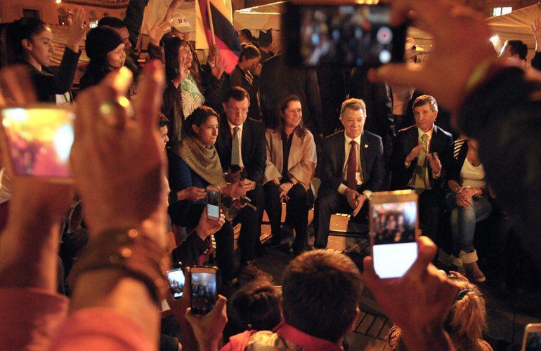 Presidente atiende llamado de Campamento por la Paz