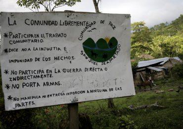 Sigue asedio de paramilitares contra comunidad de Paz de San José de Apartadó