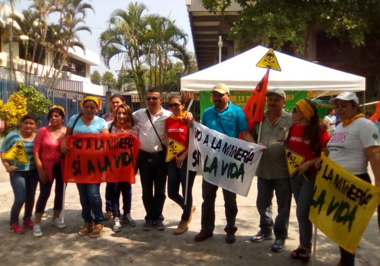 El Salvador prohíbe la minería metálica