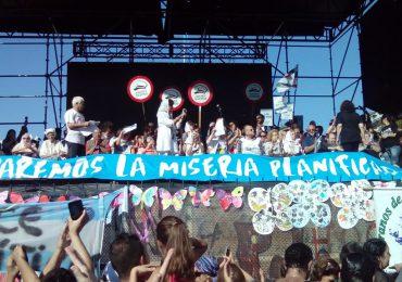 """""""Son 30 mil"""" la consigna en el día de la memoria Argentina"""