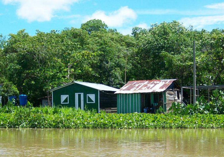 Persiste la presencia de paramilitares sobre el Río Tamboral en el Chocó