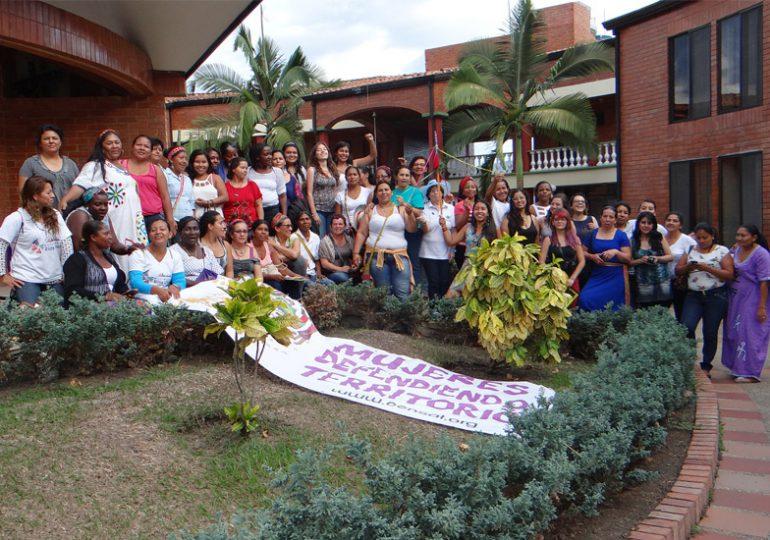 La participación de las mujeres: una clave para la construcción de paz con justicia social y ambiental