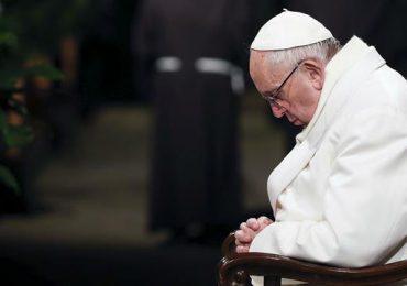 Francisco pidió perdón por escándalos de la iglesia