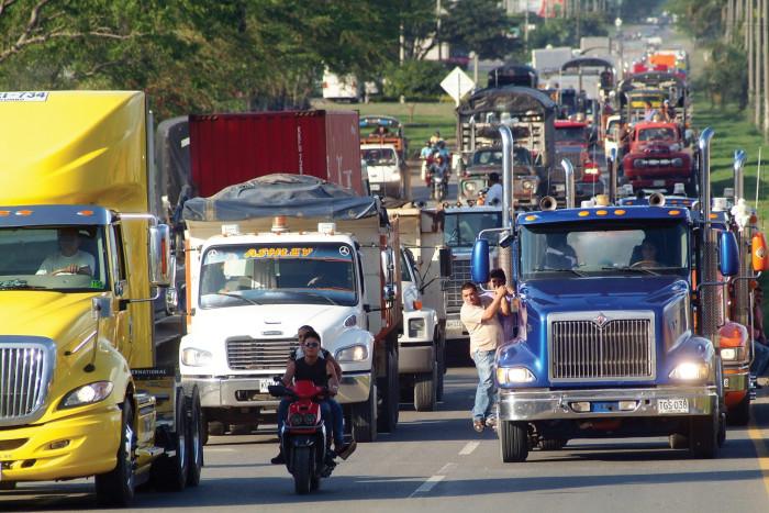 Anuncian paro camionero