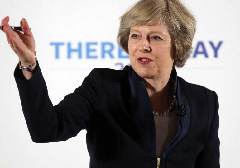 Inglaterra polarizada tras elección de Theresa May como primer ministra