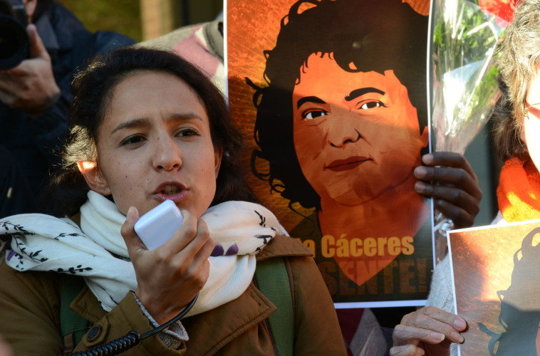 Atentan contra Bertita Zúñiga, hija Berta Cáceres