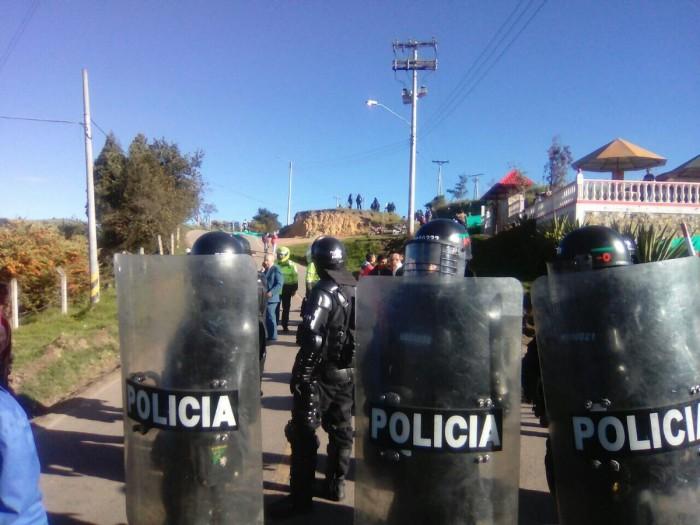 ESMAD también arremetió contra manifestantes en el relleno Doña Juana
