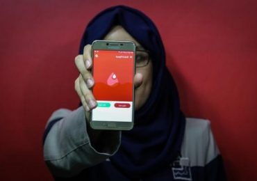 Estudiantes Gazatíes desarrollan aplicación móvil para conectar donantes de Sangre