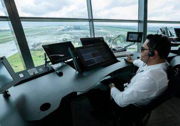 En Colombia hay un déficit de 300 controladores aéreos