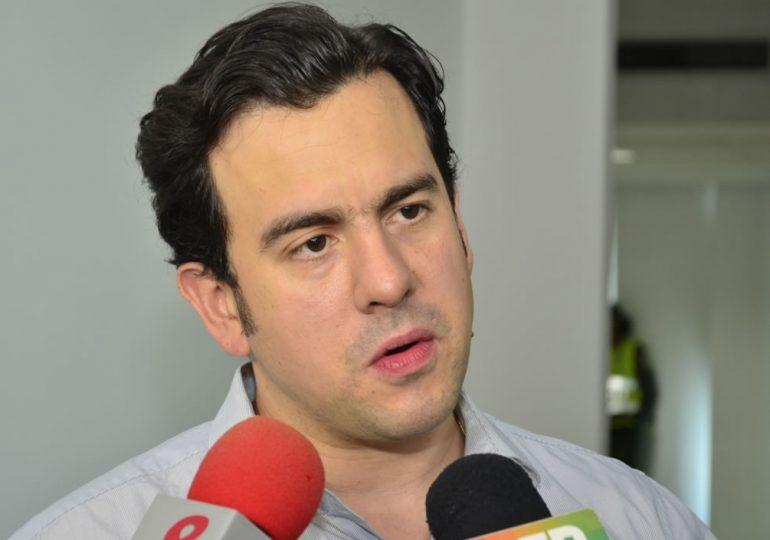 Rodrigo Lara actúa contra la ética: Alirio Uribe