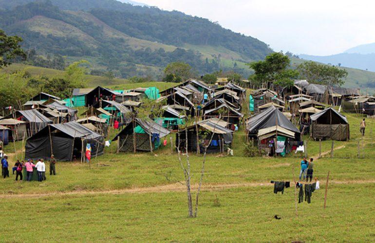 Balance a un año de la paz: Cuatro aspectos de la crisis en la reincorporación de FARC