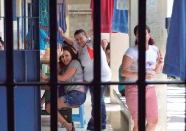 60% de mujeres latinoamericanas son encarceladas por delitos menores relacionados con droga