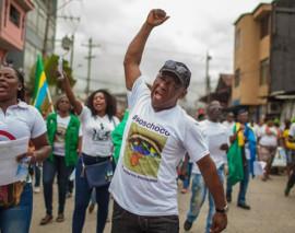 10 mil millones de pesos le adeudan a los maestros de Chocó