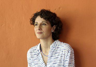 """""""Pensar destituye al poder del poder"""" Marina Garcés, filosofa española"""