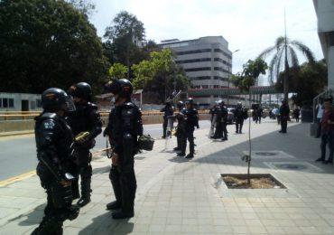 Pretenden judicializar a estudiantes de Bucaramanga por defender el bosque del colegio