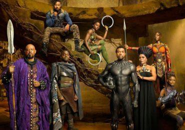 Reseña Crítica: Pantera Negra, futurista obsidiana de folklore