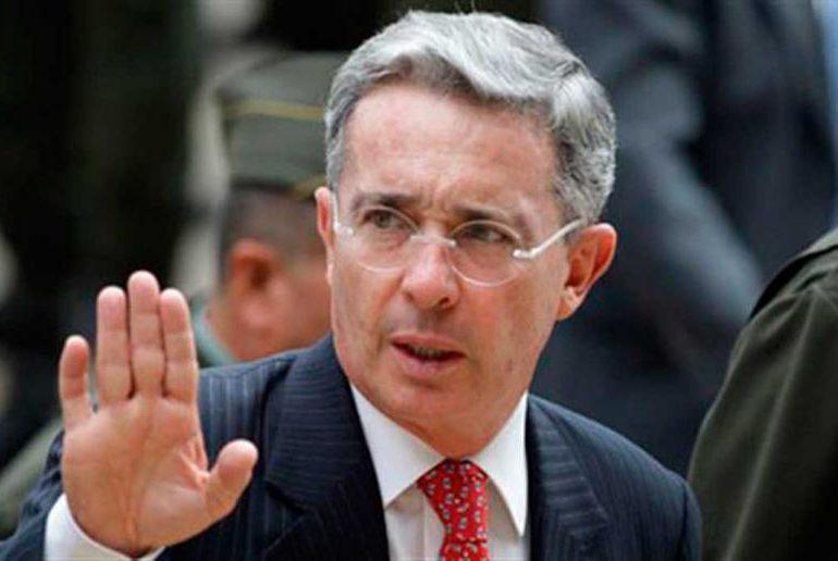 Uribe a investigación por presunta manipulación de testigos contra Iván Cepeda