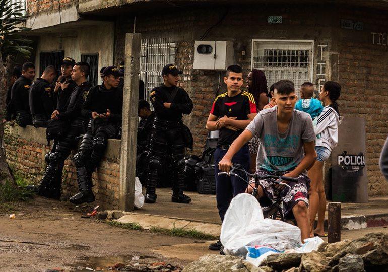 Comunidad de Barrio La Paz, en Cali, denuncia intento de desalojo por parte de Fuerza Pública