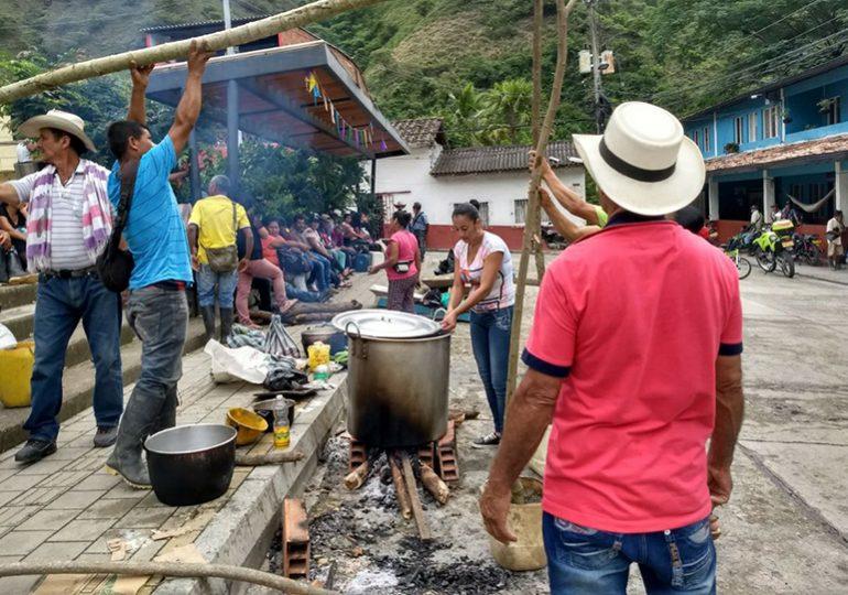 Alertan posible desalojo de víctimas de HidroItuango albergadas en coliseo