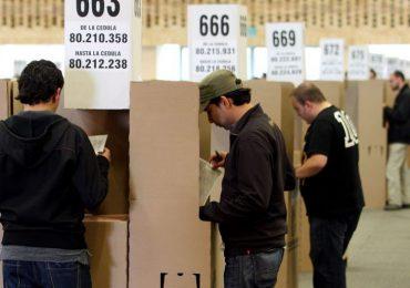 """Más de 200 profesionales firman """"carta a los indecisos"""" por un cambio en próximas elecciones"""