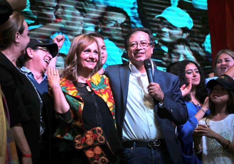 Razones a favor y en contra de la curul de Ángela María Robledo