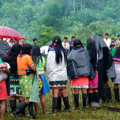 Denuncian que helicóptero del Ejército atentó por error contra grupo de indígenas