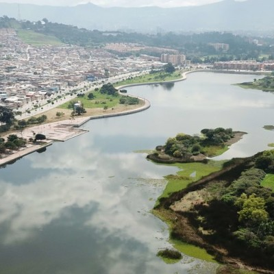 Habitantes denuncian construcción de complejo deportivo sobre Humedal de Tibabuyes