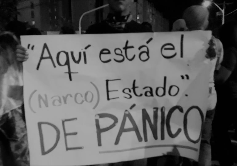 En Colombia no hay postconflicto, en Colombia hay un Narcoestado Paramilitar.