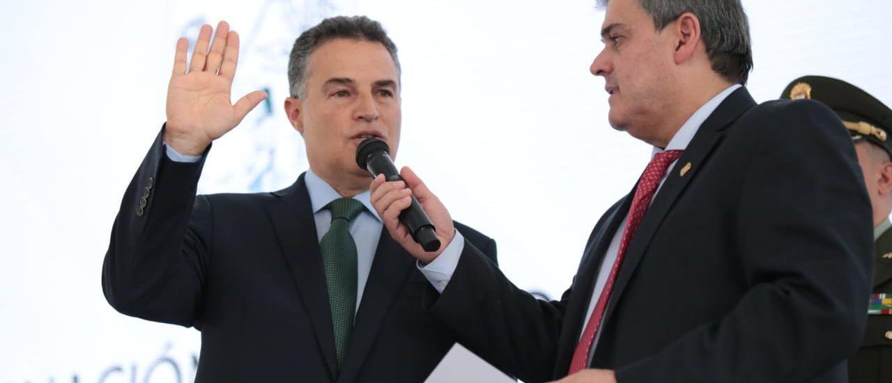 ¿El Gobernador de Antioquia, comprará las fincas de los financiadores de su campaña?