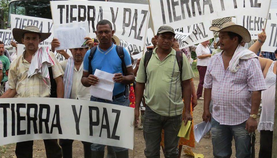 Otra Mirada: Riesgos de reclamar tierras en Colombia