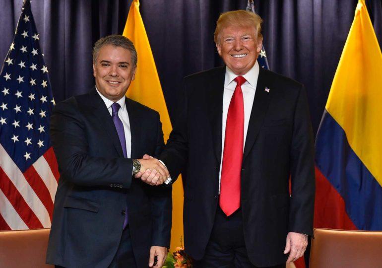 Política exterior de Colombia obedece a intereses de EEUU: Congresistas