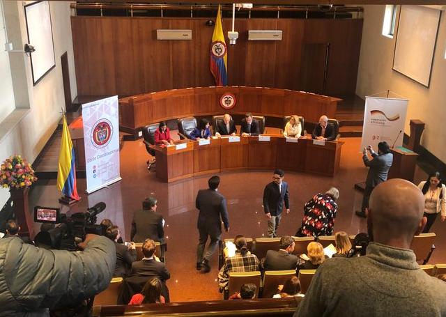 OtraMirada: Cadena perpetua en Colombia.