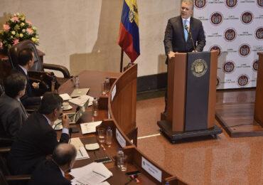 Con dos sendos fallos, Corte Constitucional pone freno al «Gobierno por Decreto»