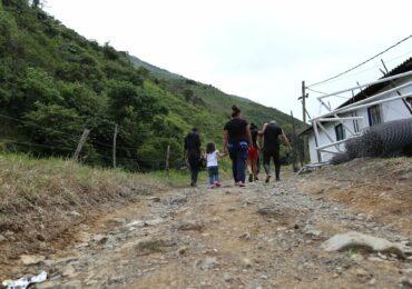 Otra Mirada: Firmantes de paz ahora son desplazados de Ituango a Mutatá