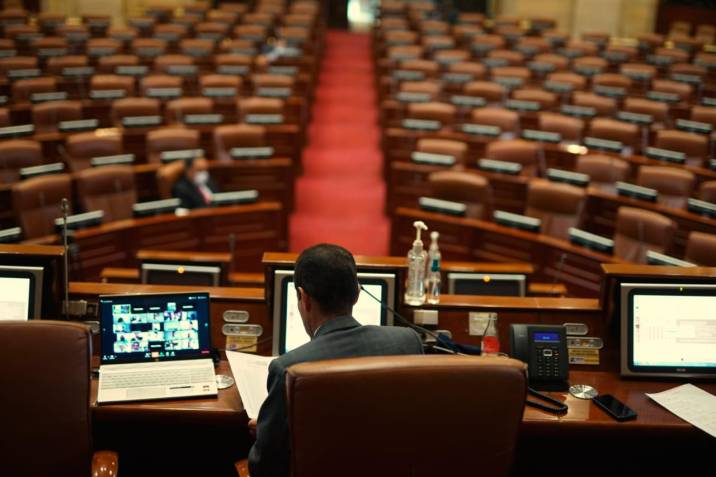 Corte Constitucional suspende sesiones virtuales del Congreso y frena al gobierno por decreto