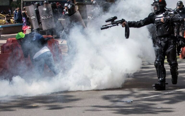 """""""Crímenes de lesa humanidad"""" de la Policía irán a la Corte Penal Internacional"""