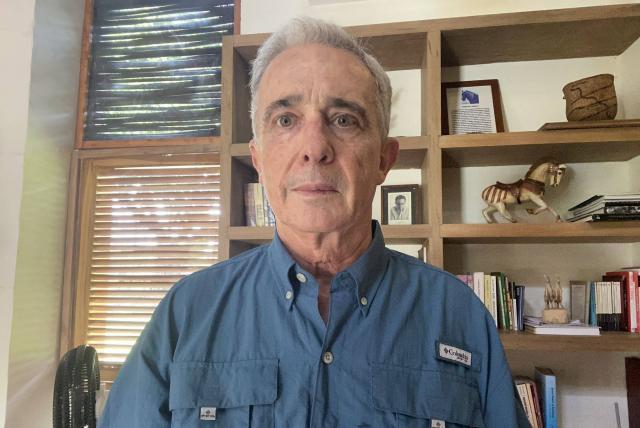 Corte Suprema conserva competencia para investigar a Uribe por compra de votos
