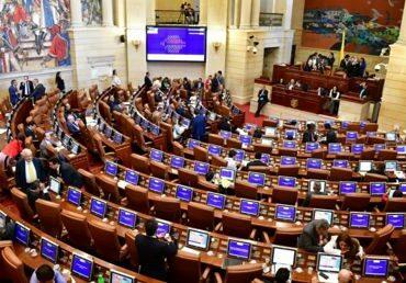 Duras críticas generó aprobación del Presupuesto de la Nación para 2021