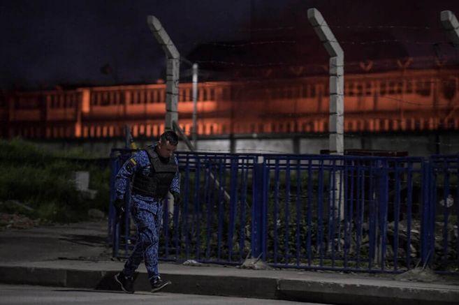 """Muertes de los detenidos en """"La Modelo"""" a manos del INPEC fueron intencionales: HRW"""