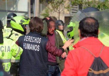 "Denuncian allanamiento ""irregular"" al defensor de DD.HH. Jassir Olivares"