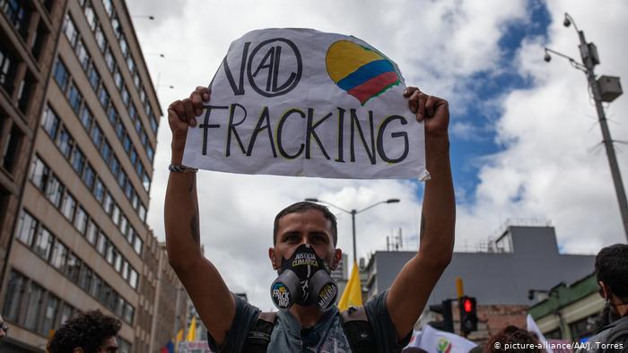 """Duque firma """"sentencia de muerte a los ecosistemas"""" con piloto de Fracking en Colombia"""