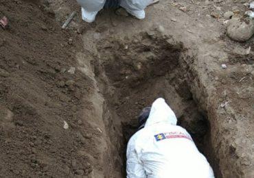 Hallan 26 cuerpos en fosa común de Bogotá